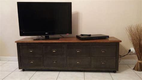 peindre meuble cuisine mélaminé banc télé de style industriel avec kallax bidouilles ikea