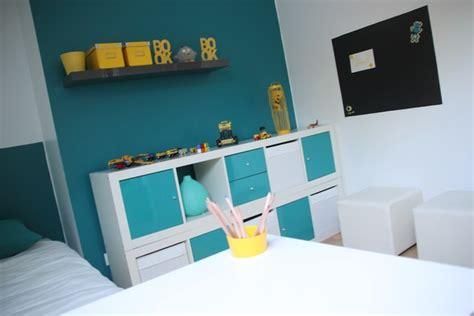 chambres ado fille décoration chambre enfant bleu et jaune