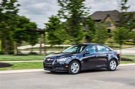 Chevy Cruise Diesel by 2014 Chevrolet Cruze Turbo Diesel Side In Motion 02 Photo 4