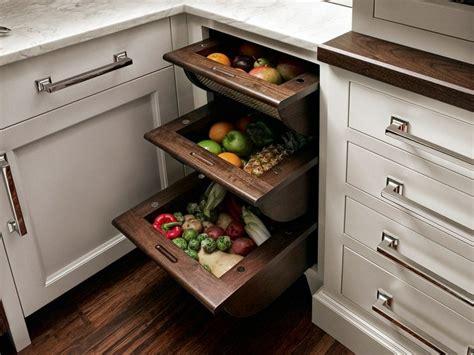 kitchen cabinet organizing systems den eckschrank der k 252 che komfortabel gestalten 20 ideen 5623
