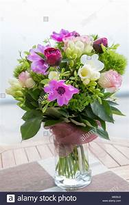 Beau Bouquet De Fleur : beau bouquet de fleurs de printemps rose blanc et violet ~ Dallasstarsshop.com Idées de Décoration