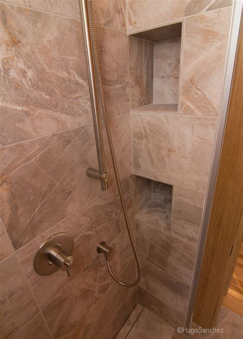 Custom tile shower   Céramiques Hugo Sanchez Inc