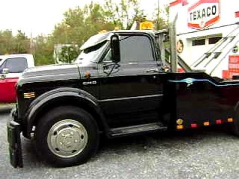wamsleys 1972 chevy c40 rod wrecker with my 1950s old texaco gas station youtube