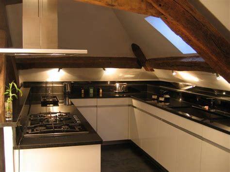 cuisine sous pente cuisine sous les toits cuisine cuisine