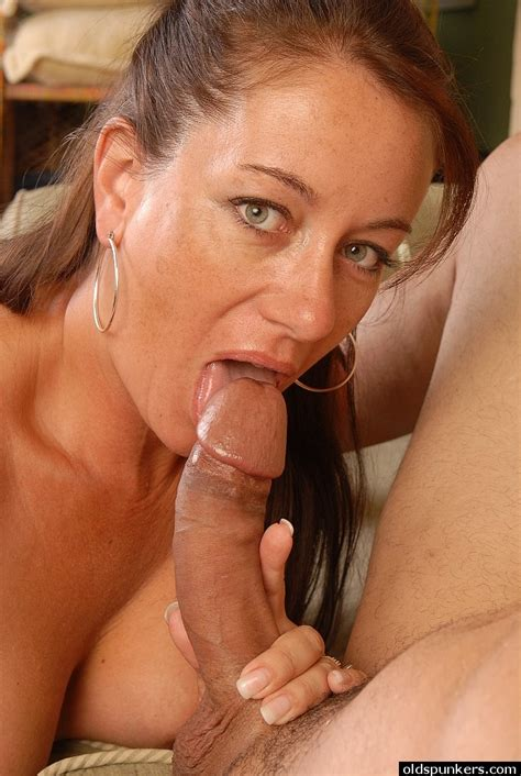 Hot Mature Silvia Swallows This Pretty Big Cock In Close