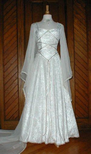 hexe kostüm stunning gown medievil times ドレス 服装 レトロファッション