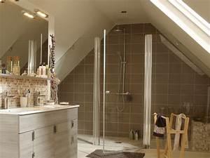 Poser Du Lambris Dans Les Combles : am nager une salle de bains sous les toits ~ Premium-room.com Idées de Décoration