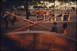 File:KIDS ENJOYING PLAYGROUND EQUIPMENT IN EAST RIVER PARK ...