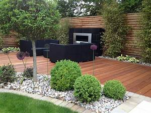 New contemporary gardens roger gladwell garden design for Latest landscape design