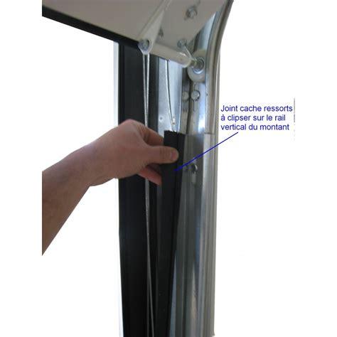 joint cache ressorts pour montant de porte sectionnelle