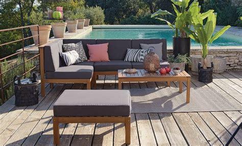 canapé d angle chez but salon de jardin et terrasse au bord de la piscine 5