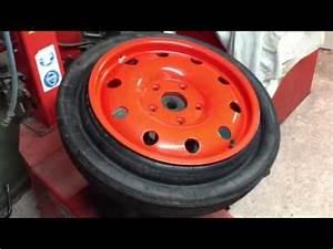 Galette De Secours : porsche 964 pliage roue de secours youtube ~ Melissatoandfro.com Idées de Décoration