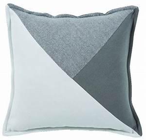 Coussin à Recouvrir 45x45 : coussin murmure recto empi cement en triangles blanc gris ~ Teatrodelosmanantiales.com Idées de Décoration
