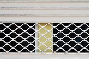 Gitter Für Kellerfenster : preise f r fenstergitter diese kosten sind blich ~ Markanthonyermac.com Haus und Dekorationen