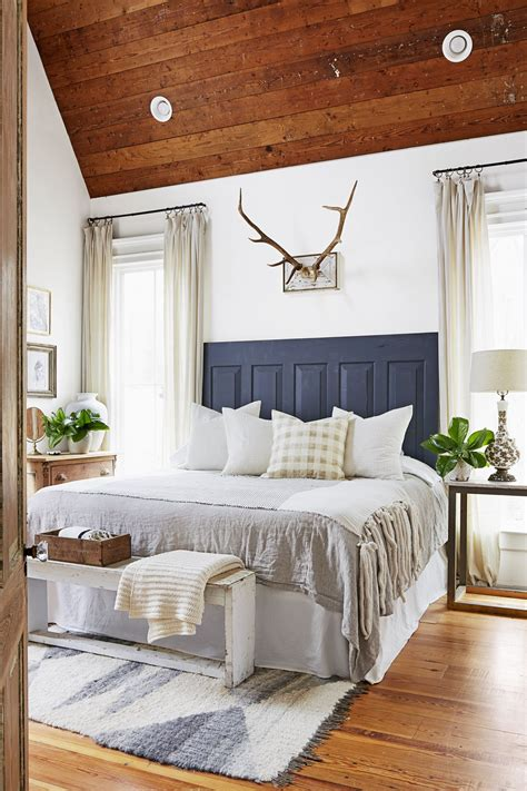 bedrooms decorating ideas inside a mississippi farmhouse that fits a family of 6