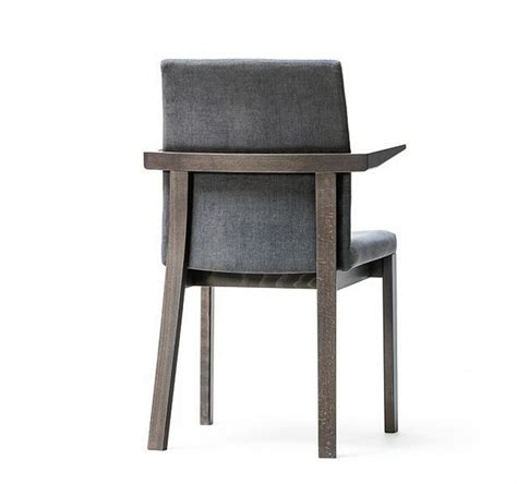 chaises fauteuils moon chaise accoudoirs by michal riabic pour ton en cuir