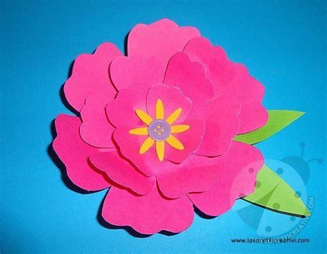 i fiori semplici come fare fiori di carta lavoretti creativi