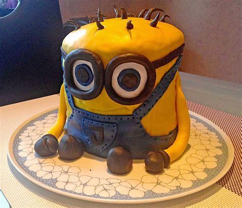 minions kuchen 3d minion torte rezept mit bild buttercup 2310