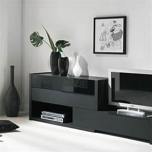 Meuble Tv En Hauteur : le meuble t l soigne son image c t maison ~ Teatrodelosmanantiales.com Idées de Décoration