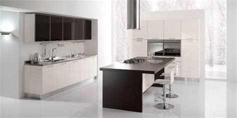 Mensole Laccate Lucide by Cucine Moderne Laccate Lucide Opache Laminato