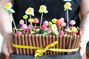 Deco Bonbon Anniversaire : idee decoration gateau avec bonbons ~ Melissatoandfro.com Idées de Décoration