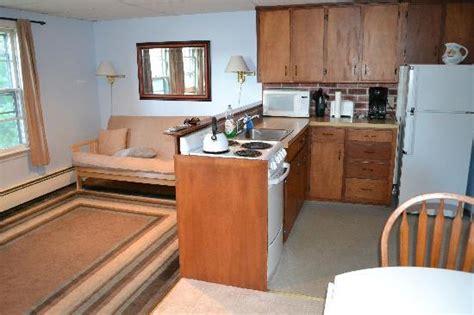 efficiency apartment bedroom picture   cape
