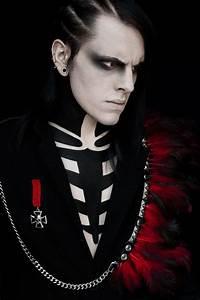 goth gothic man men makeup hot sexy eyecandy   GOTH ...
