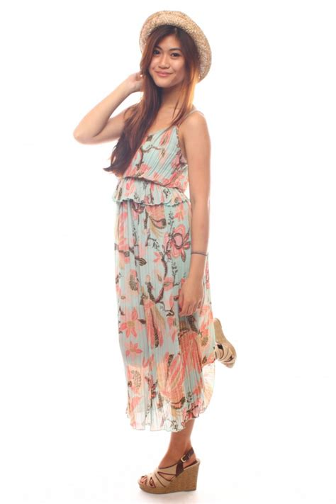 Floral Pleated Maxi Dress The Label Junkie