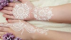 Weißes Henna Tattoo : wei e henna tattoos sind der neueste trend ~ Frokenaadalensverden.com Haus und Dekorationen