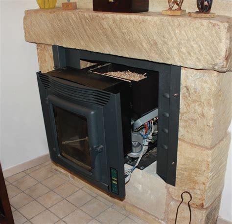 camini ventilati a legna prezzi inserto camino a pellet ventilato stufe a pellet