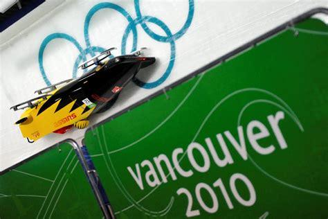 Photo Vancouver 2010 Bobsleigh L'équipe de France ...