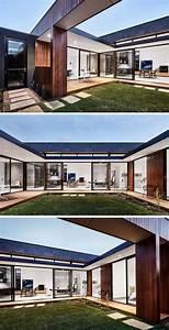 This, Modern, Australian, House, Wraps, Around, A, Courtyard, For
