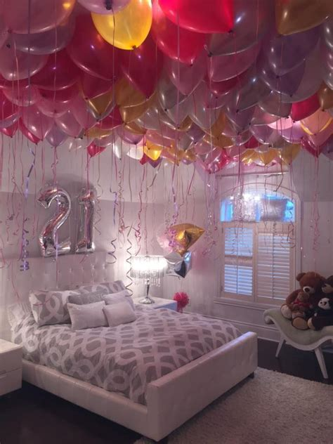 Best 25+ Birthday Room Surprise Ideas On Pinterest