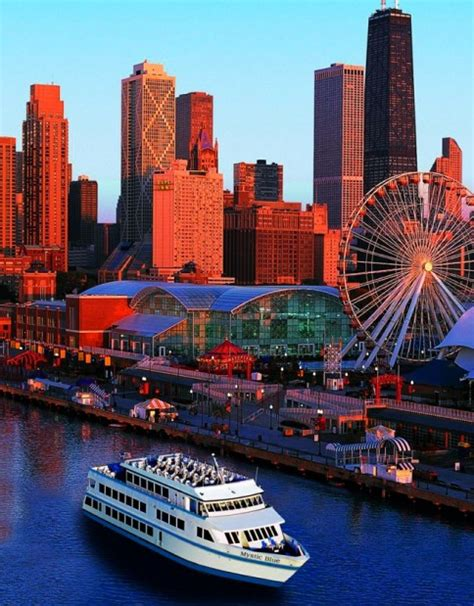 Navy Pier Boat Cruise by Chicago Navy Pier Boat Dinner Cruises Offer Guests A Wave