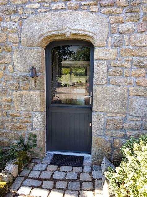 pose porte d entr 233 e bois alu devis pour l installation de votre porte d entr 233 e bois aluminium