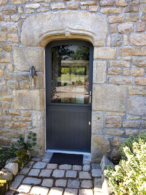 porte entree bois alu pose porte d entr 233 e bois alu devis pour l installation de votre porte d entr 233 e bois aluminium