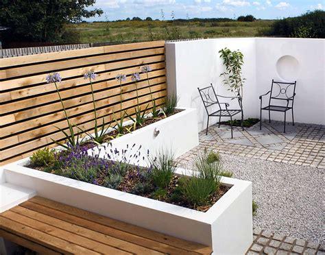 Terrassen Ideen Gestaltung by Contemporary Bed Designs Contemporary Courtyard Garden