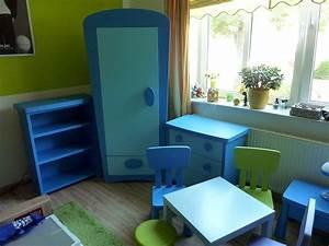 Ikea Bett Kinderzimmer : komplettes ikea kinderzimmer mammut blau bett schrank kommode tisch ~ Frokenaadalensverden.com Haus und Dekorationen
