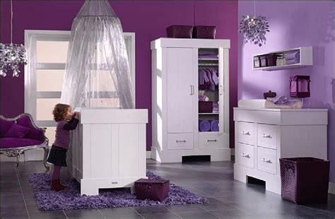 d馗oration pour chambre de fille décoration chambre bébé fille violet