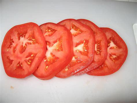 sliced tomato 2706884611 9347463787 z jpg