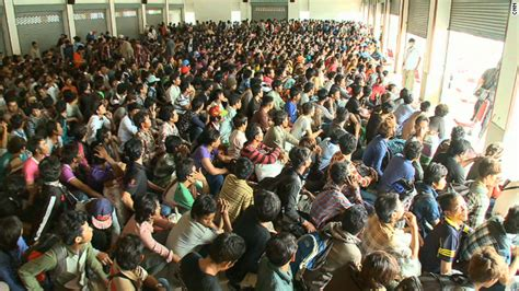 khmerization 140 000 cambodian migrant workers flee thailand