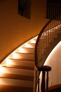 treppe beleuchtung beleuchtung treppenhaus lässt die treppe unglaublich schön erscheinen