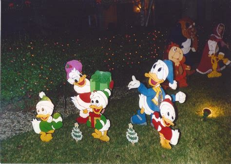 donald duck  family crafts   heart christmas