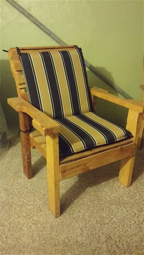 diy recycled wooden pallet chair  pallets