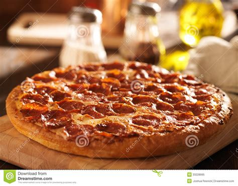 Pepperoni Pizza At Restaurant Stock Image - Image: 33228995