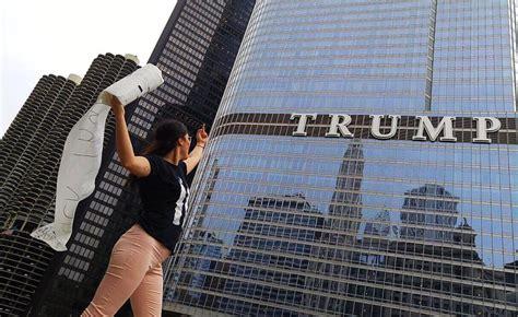 Puerto Rican returns Trump Towels to Trump Tower ...
