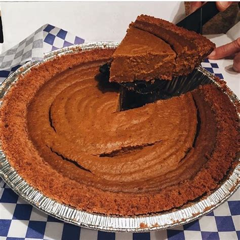 order pumpkin pie where to order your pumpkin pie for thanksgiving 2017 urbanmatter
