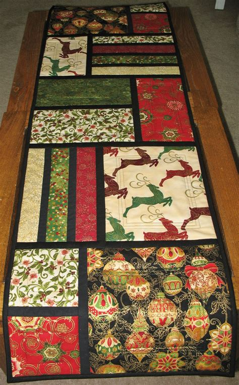 christmas table runner quilted  kaufman flourish
