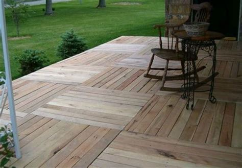 pallet patio decks ideas  pinterest pallet patio pallett deck  cheap deck ideas