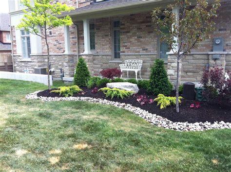 easy maintenance backyard landscape beautiful garden design ideas low maintenance with rock design 15 chsbahrain com